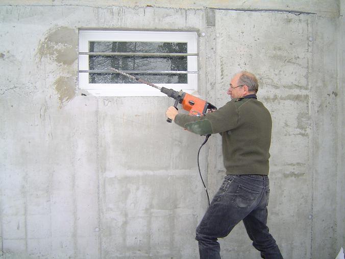 La mise hors d 39 air construction de notre maison for Barreaux de fenetre